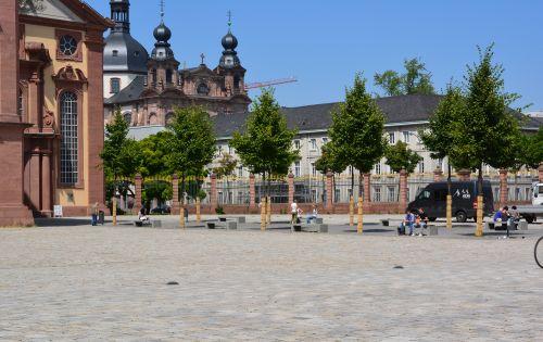 Mätressen Palais Bretzenheim.jpg
